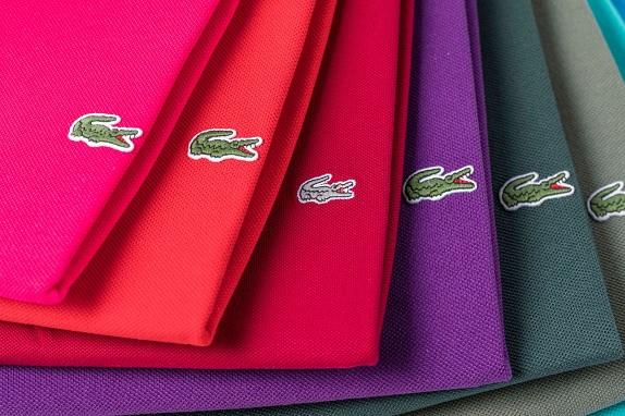De stretch slim fit van Lacoste geeft veel verschillende kleuren